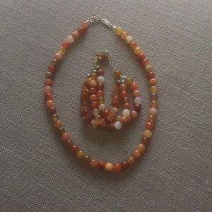 Beautiful necklace and bracket set